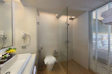 Bathroom - Deluxe Room.